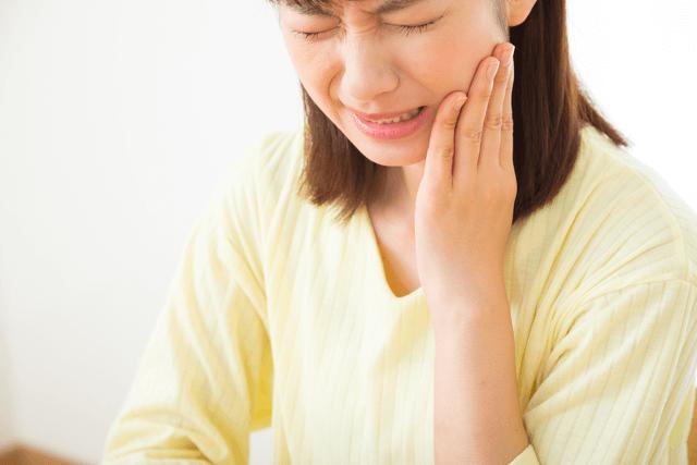大きなむし歯や根の病気がある方、歯周病の方